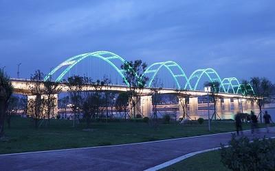 孙彦飞:新基建下桥梁照明之思